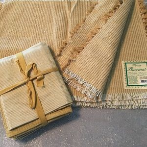 NWT bundle of 6 placemats and 4 kitchen towels
